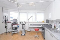 Kardiologie-Untersuchungsraum.jpg